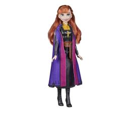 Lalka i akcesoria Hasbro Frozen Forever Anna w stroju podróżnym