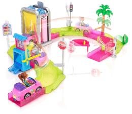 Barbie On The Go Zestaw Myjnia Samochodowa z lalką (FHV91)