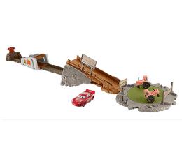 Mattel Disney Cars 3 Rajd przez traktory z Zygzakiem  (FLK03)