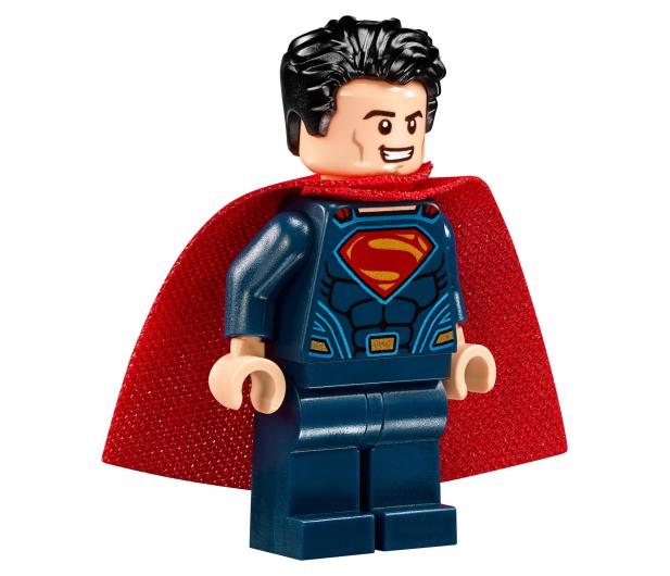 LEGO Super Heroes  Atak powietrzny Batmobila - 376717 - zdjęcie 4