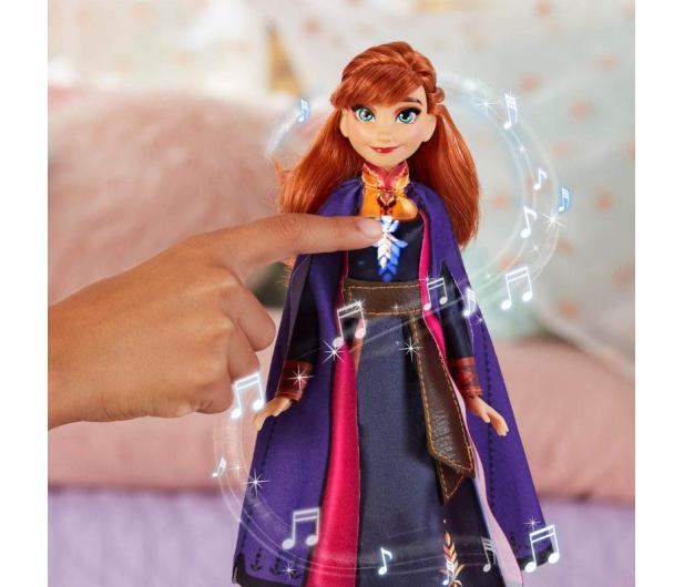 Hasbro Frozen 2 Śpiewająca Anna Kraina Lodu - 516735 - zdjęcie 4