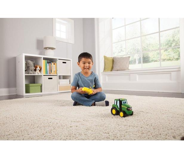 TOMY John Deere Traktor Baby na Radio - 420221 - zdjęcie 2