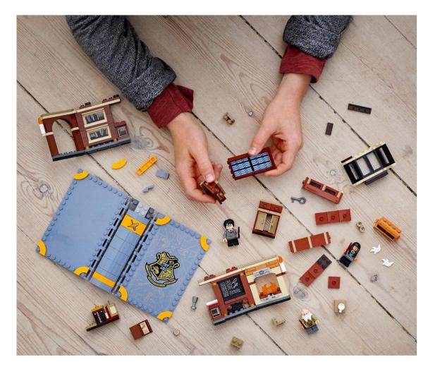 LEGO Harry Potter 76385 Chwile z Hogwartu: zajęcia z za - 1012888 - zdjęcie 3