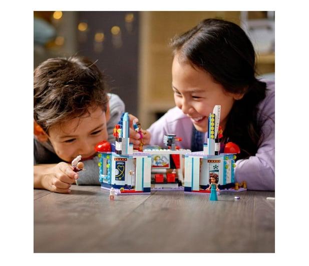 LEGO Friends 41448 Kino w Heartlake City - 1012745 - zdjęcie 3
