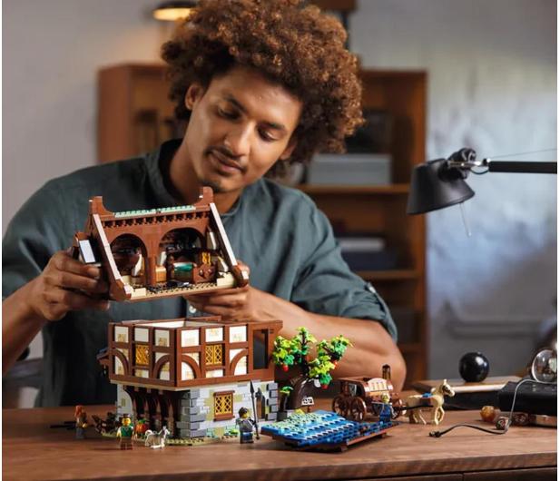 LEGO IDEAS 21325 Średniowieczna kuźnia - 1015288 - zdjęcie 3